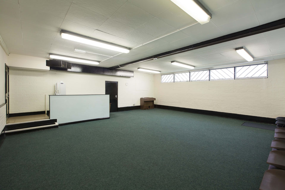 Hall hire in hertfordshire-Maxwell Park Community Centre Facilities - Photograph of Lounge